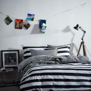 Preto com Listra Branca e impressos Home Produtos Têxteis Consolador extras