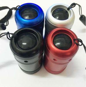 昇進のための小型Cr2032ボタン電池6LEDの懐中電燈のトーチ