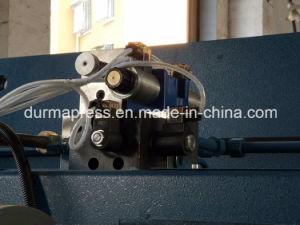 E21 CNCの出版物ブレーキ100tが付いている4mm Thciknessの炭素鋼の物質的な曲がる機械