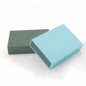 Handmade 호화스러운 서류상 마분지 종이상자 자석 마감 최신 각인 의복 선물 상자