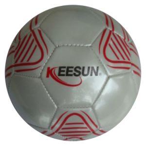 PVC機械によってステッチされるサッカーのスポーツの球