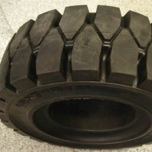 Solid Click Use Tires 825-20 Forklift Solid Tires