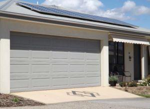 Haut de la porte de garage automatique rentables avec panneau de haute qualité
