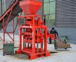 Blocchetto di pavimentazione concreto concreto della macchina Qt4-35 del mattone della gomma piuma