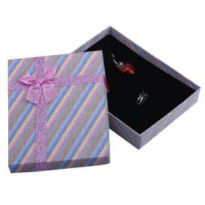Nouveau Rainbow couleurs mélangées Necklace Fashion boîte à bijoux Emballage 12 * 16 * 3,0 cm