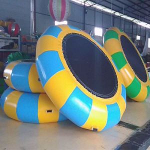 Atractivo agua inflables trampolines