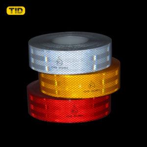 Gele retro-wijst op e-E-Marked Weerspiegelende Band