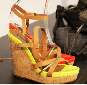 Nouveau style de haut talon sandales d'été de filtre en coin (SH13-097)