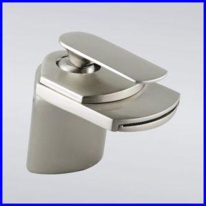 大きい口の滝によってブラシをかけられるニッケルの洗面器のコック(ROS999BN)