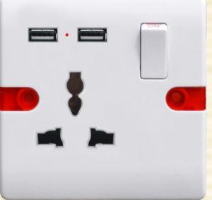 La norme britannique 13une clé USB prise commutée F