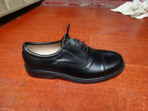 عسكريّة بيضاء مكتب أحذية
