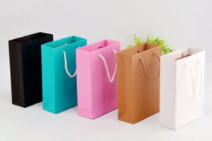 Роскошный подарок Custom упаковка бумажный мешок с горячей штамповки