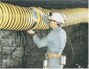 適用範囲が広い排気ダクト(螺線形の管)