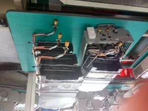 Los calentadores de agua de gas en la pared ducha para el hogar con vidrio