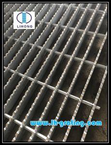 Galvanizado en caliente Rejilla de acero dentado para la industria de la plataforma y escalera los pasos