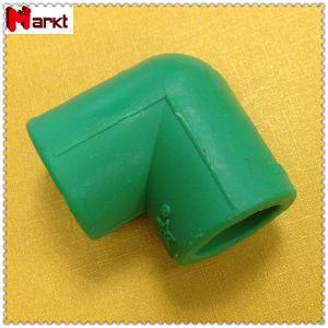 DIN 8077-8078 PPR a conexão do tubo na cor verde
