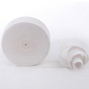 In het groot Wit die Elastische Band breien