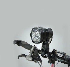2017新しいデザインOEMの自転車の前部ライトLED
