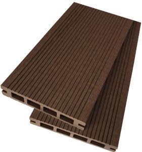 新しい防水、環境に優しいWPCの床またはDeckingのボードか設計された木製のフロアーリング