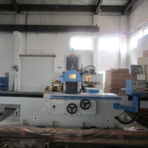 Kgs615ahd-600X1500mm 3 축선 자동 공급 표면 분쇄기 기계 제조자