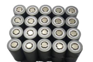 12.8V 100ah 2000timesの深いサイクルの小さい手段のBMSの保護のスマートなRoborts再充電可能なLiFePO4電池のための急速な80A排出Agv電池
