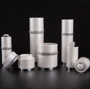 工場価格の白い空の装飾的なプラスチックびんおよび瓶