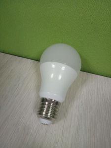 7W E27 6500k Lâmpada LED com alumínio mais PBT