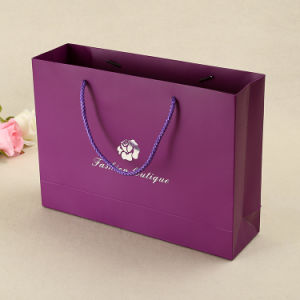 La impresión personalizada bolsa de regalo papel de tiendas de lujo