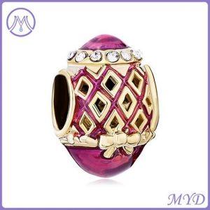 Het holle Goud van het Ontwerp plateerde de Purpere Armband van de Parels van het Ei van Faberge van het Metaal van de Charme van Knotbow van het Email Europese