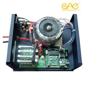 De Hybride Omschakelaar met lage frekwentie van de Omschakelaar 1200W 12V/24V 220V 1.2kw met het ZonneControlemechanisme van de Lader PWM 30A