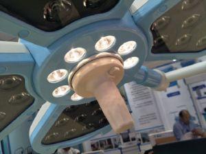 単一のヘッド天井によって取付けられる病院装置LEDのShadowless操作か外科ライト
