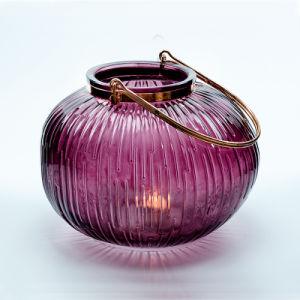Lanterna di tempesta di vetro con la maniglia d'acciaio per la decorazione
