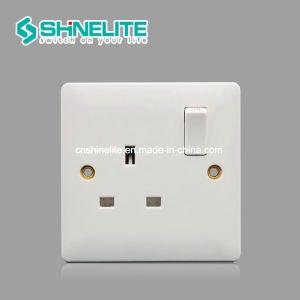 Durable bakélite British Standard blanc de la douille de l'interrupteur électrique OEM