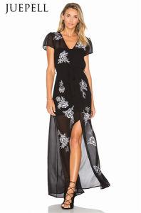花柄ストラップの女性の服