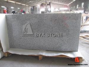 Paving、Wall、Flooringのための磨かれたNatural Granite Stone Tile