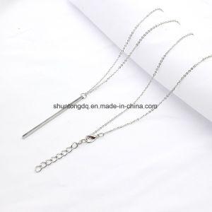 Le collane lunghe del rame del quadrato della catena a maglia di modo del bastone della collana della ragazza Pendant classica semplice della cavità lungamente mettono a nudo i monili per le donne