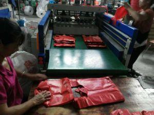 Completamente automática de doble línea T-Shirt tipo bolsa de plástico que hace la máquina