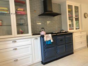 Kundenspezifischer freie stehende moderne Schüttel-Apparattür-modularer Küche-Luxuxschrank