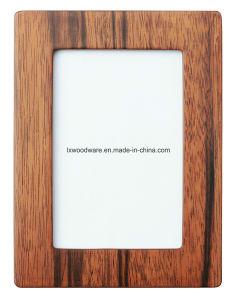 ガラス窓が付いている白いSemi-Glossy壁または机の木の芸術映像の写真のクラフトの証明書フレーム