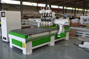 木のドアのための専門3D金属木CNCの木工業の切断の彫版の機械装置