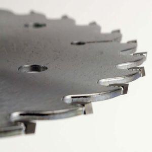 電気版の刃の炭化物の木製の切断の回状は鋸歯を