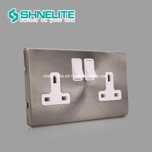 La norme britannique 13un interrupteur mural 2 Gang socket avec la CE