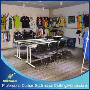 サッカーゲームのTシャツのためのカスタム染料の昇華印刷のサッカーの衣服