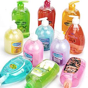 Shampoo, sabonete, chuveiro