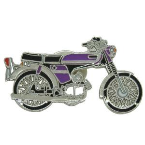 Metallfertigkeit-Motorrad-Form-Silber-dekoratives Abzeichen mit Basisrecheneinheits-Kupplung (243)