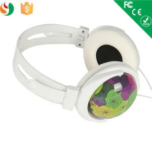 3.5mmのステレオの高品質の組合せ様式の普及したワイヤーで縛られたヘッドホーン