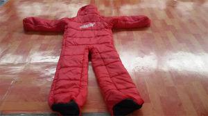 Le remplissage du sac de couchage forme humaine de coton