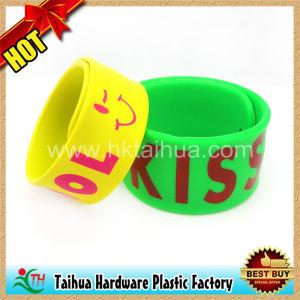 Progettare il braccialetto per il cliente di schiaffo del silicone (TH-slap018)