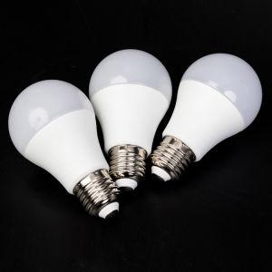 A60 7W E27 Eclairage Intérieur Lampe LED Lampe à économie d'énergie