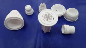 Toma de la lámpara de cerámica de calidad Super/Base/soporte con certificado ISO9001
